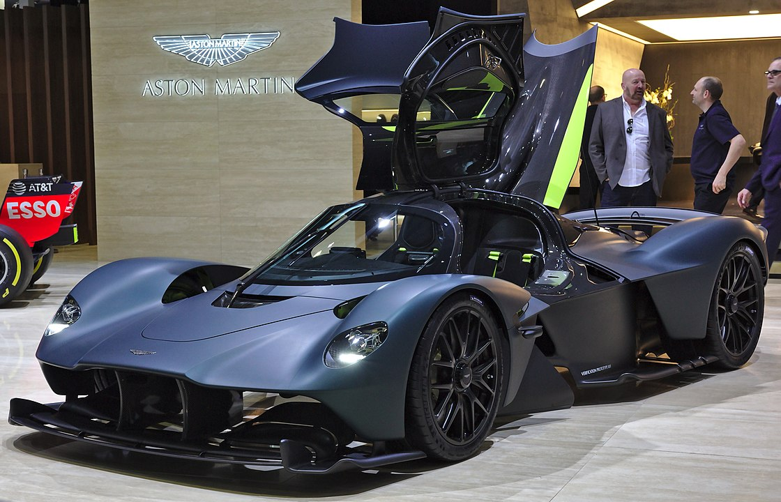 Aston Martin Valkyrie - Fastest cars in the world 2020