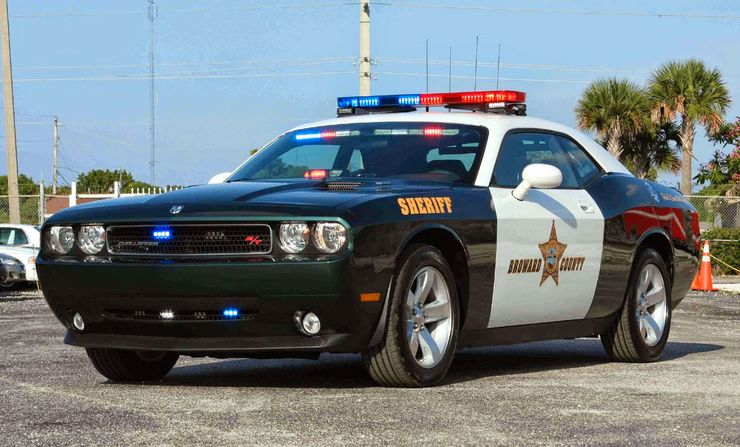 Fastest police cars in the world - Dodge Challenger - The United States