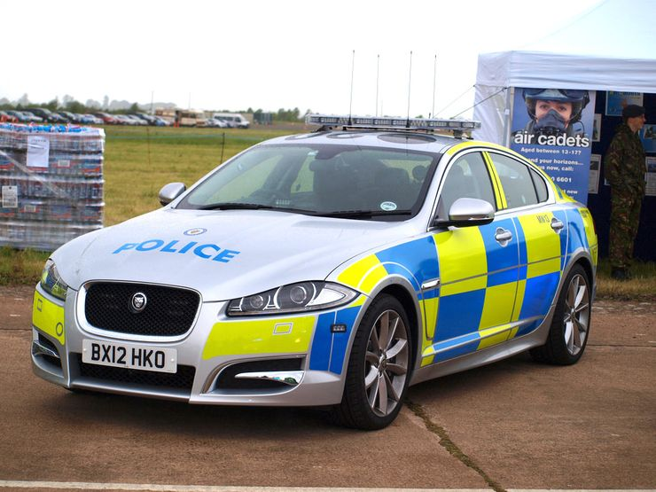 Fastest police cars in the world - Jaguar XF - England