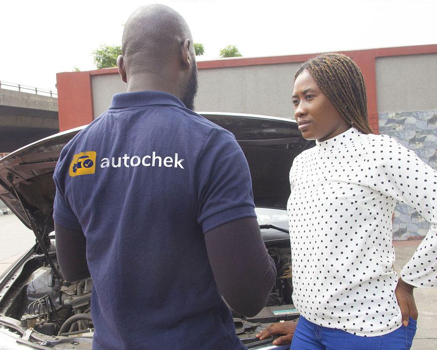 Autochek service provider with a customer - Trusted mechanics